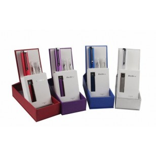 iTazte Ep E Cig Starter Kit. Available in Red or Silver.